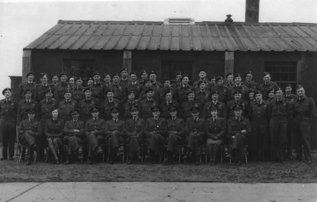 c1944ObservercorpMeadowFarm001